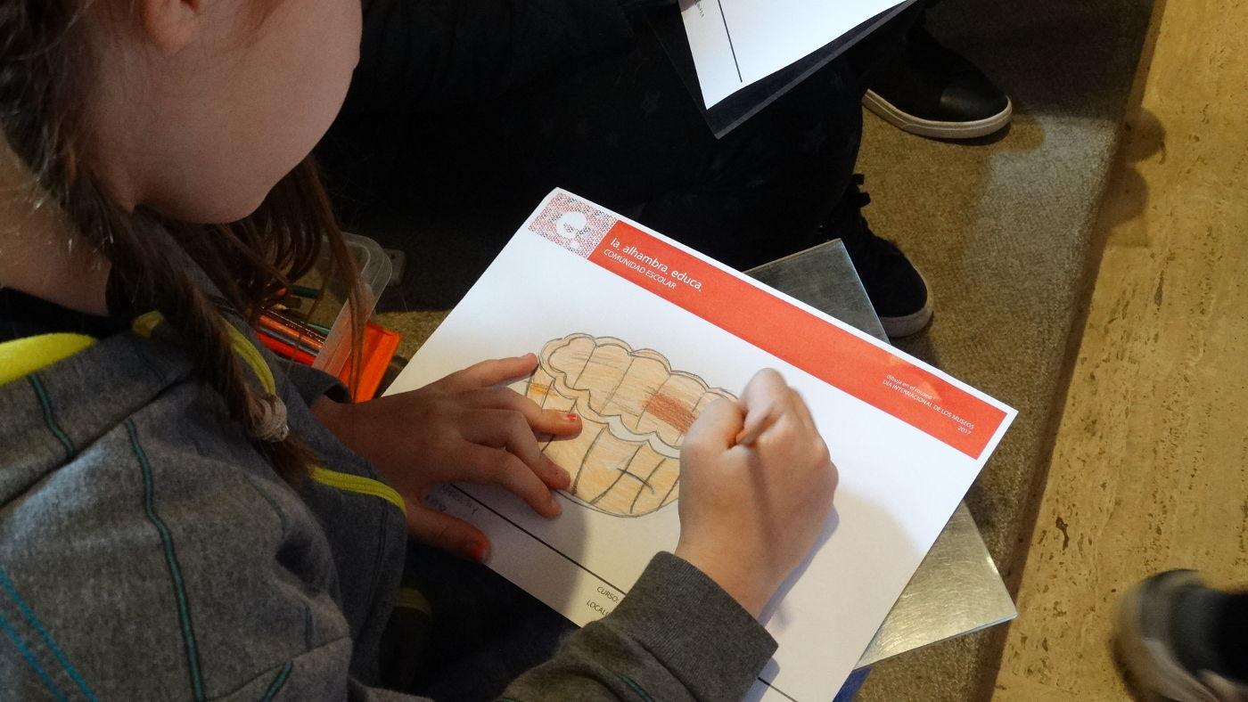 La Alhambra organiza nuevas visitas guiadas  y talleres para las familias