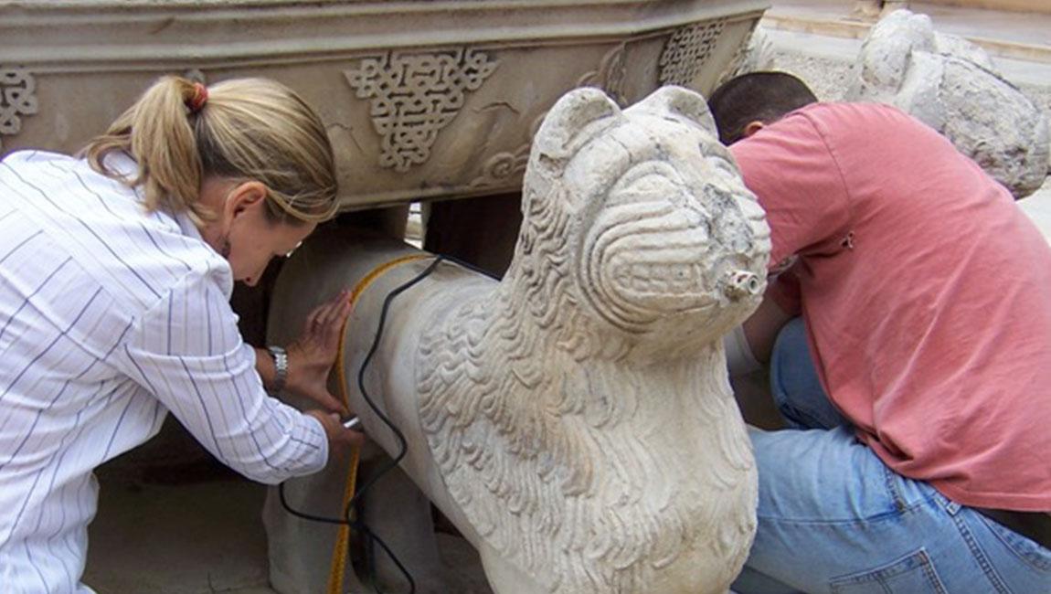 Restauración de la Fuente de los Leones