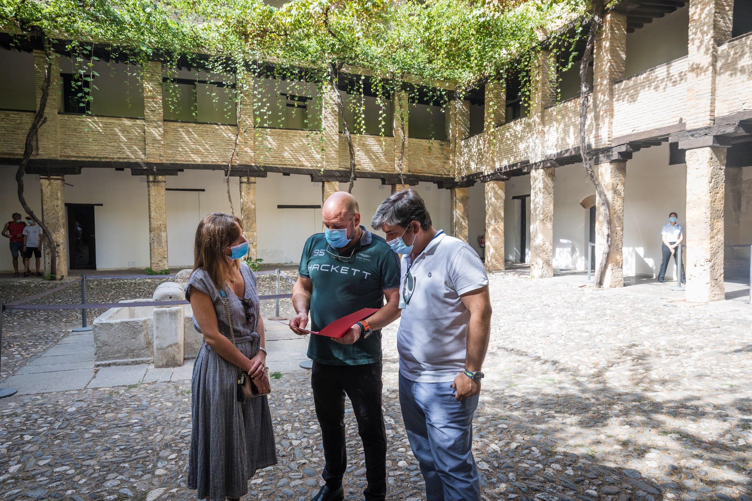 La Alhambra renueva el cableado y la instalación eléctrica del Corral del Carbón