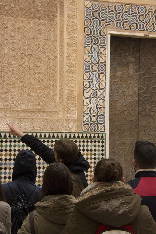 La Alhambra organiza visitas guiadas para acercar el monumento a las familias
