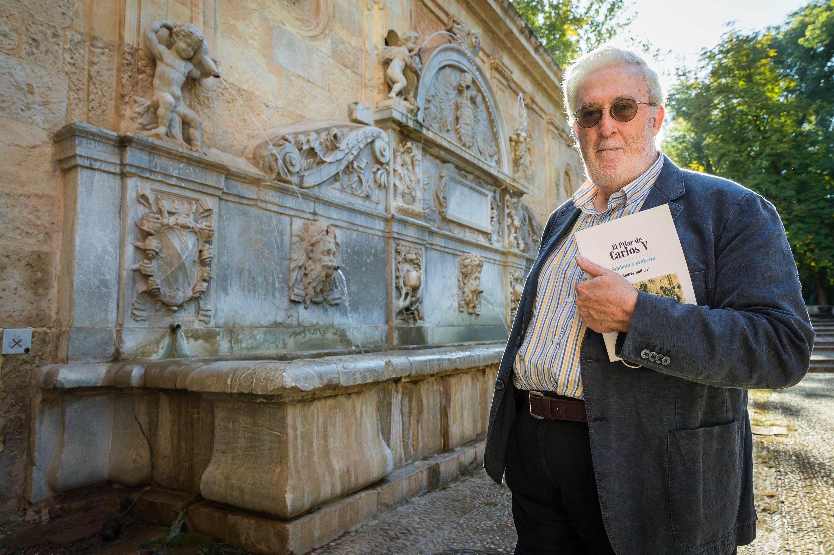 """Molinari: """"Este libro habla del agua en Granada desde muchos aspectos, desde el literario hasta el mitológico o mágico"""""""
