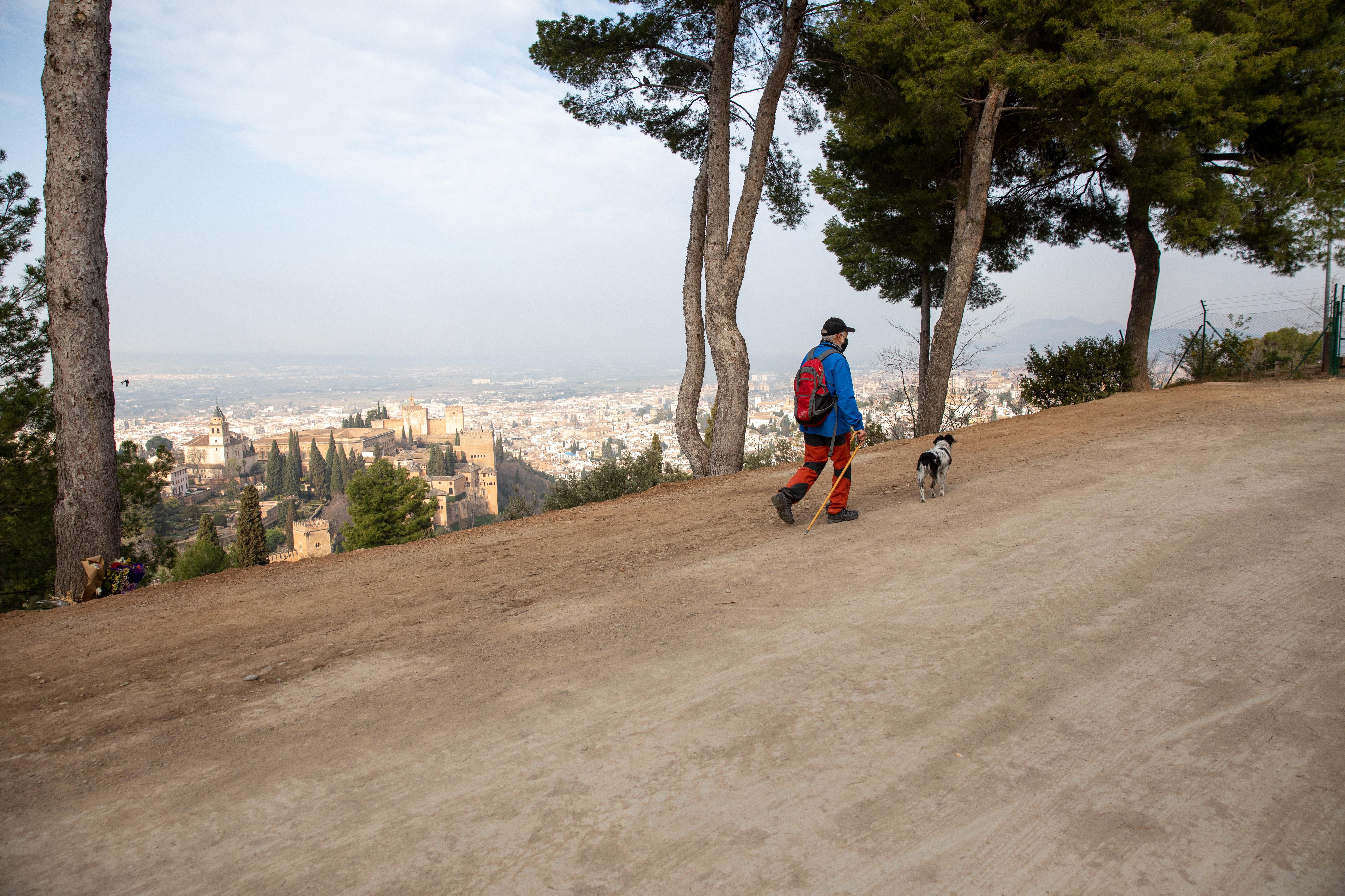 La Alhambra repara el camino forestal que da acceso a la Silla del Moro