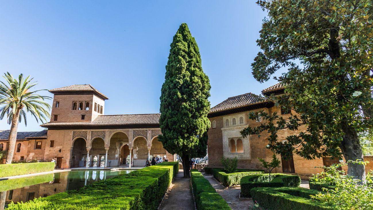 El Albercón de las Damas y el Jardín del Oratorio, donde el palacio nazarí se funde con el jardín romántico