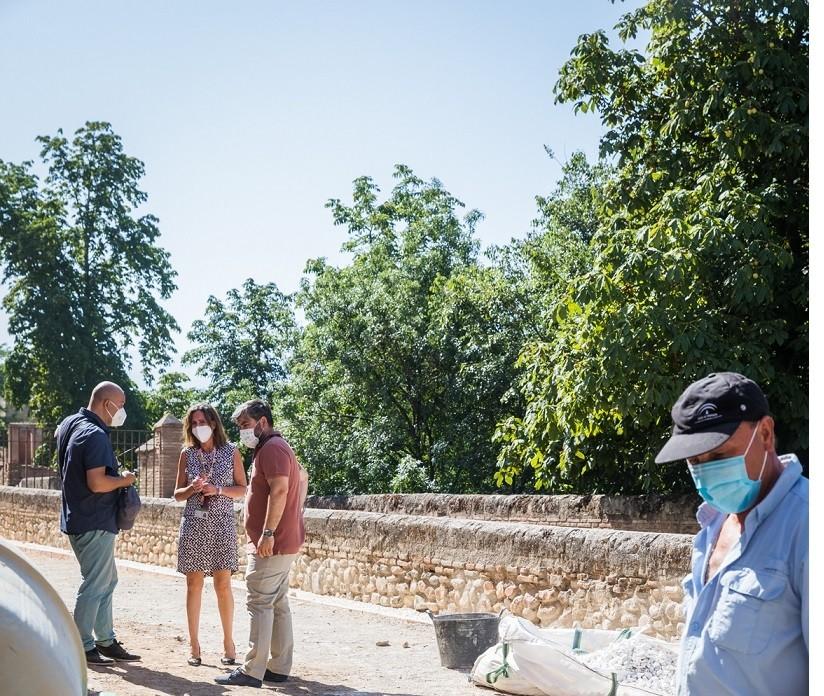 La Alhambra mejora la accesibilidad del callejón que da acceso al Palacio de los Abencerrajes