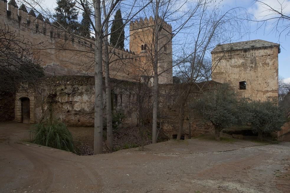 La Alhambra licita por más de 738.000 euros las obras para restaurar el baluarte de la Puerta del Arrabal